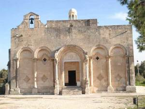 Siponto_facciata_chiesa